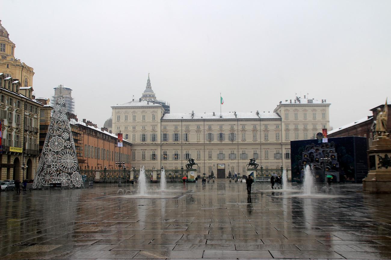 foto-neve-torino-piazza-castello-2