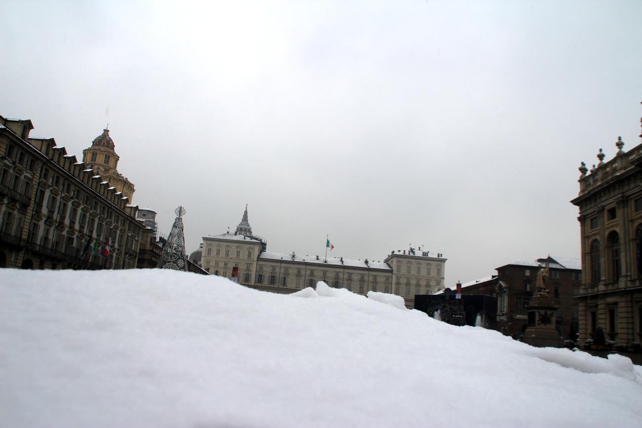 foto-neve-torino-piazza-castello